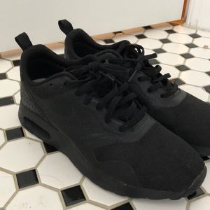 Black Nike Trainers size 8, men's 6.5